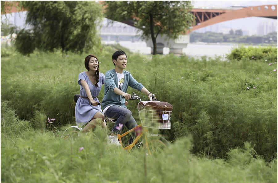 《期待戀愛》BoA、林時完約會劇照曝光 帥男靚女的郊遊_2