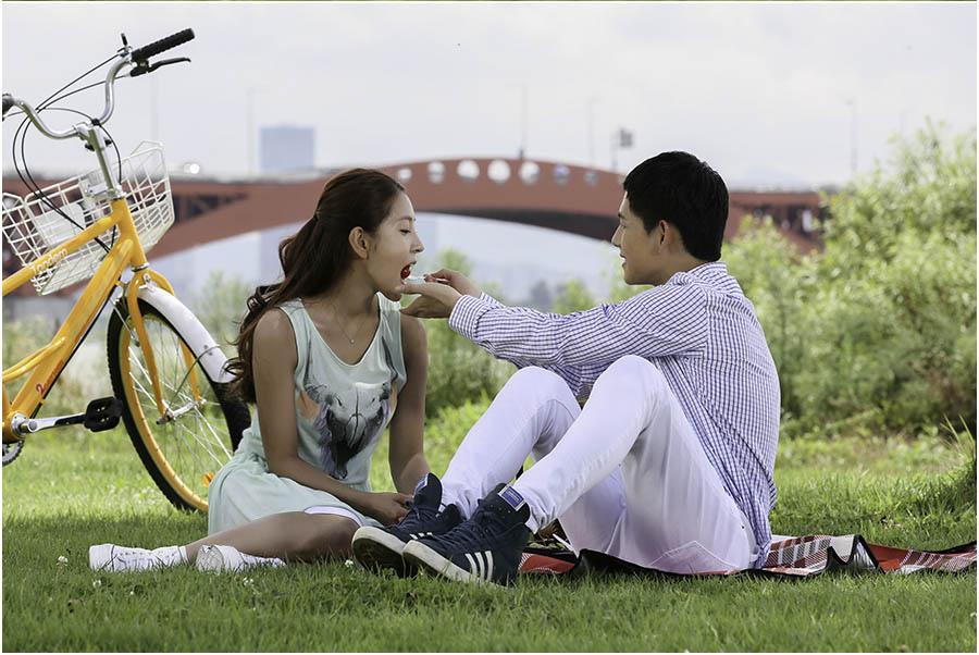 《期待戀愛》BoA、林時完約會劇照曝光 帥男靚女的郊遊_1