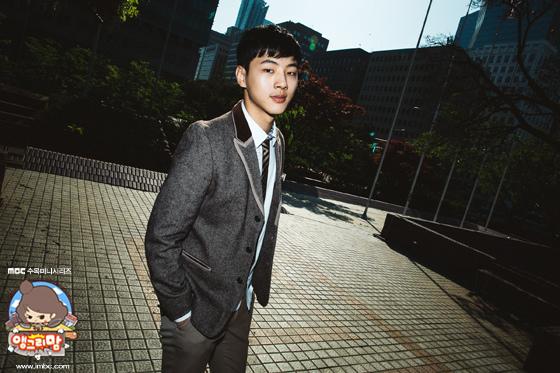《憤怒的媽媽》Jisoo採訪花絮照 稚氣未脫美少年_3