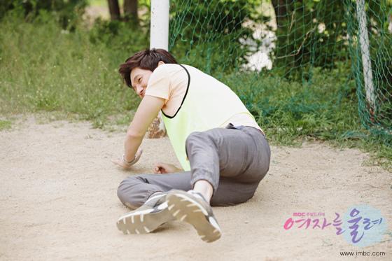 《讓女人哭泣》宋昌義堅守球門 側摔扑球很拼命_2