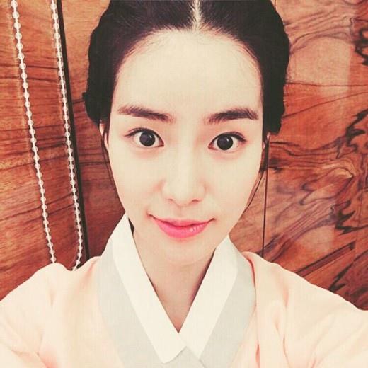 《上流社會》林智妍曬古裝自拍 變身古代女僕