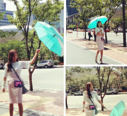 《愛你的時間》河智苑路邊玩傘 酷暑烈日下拍攝