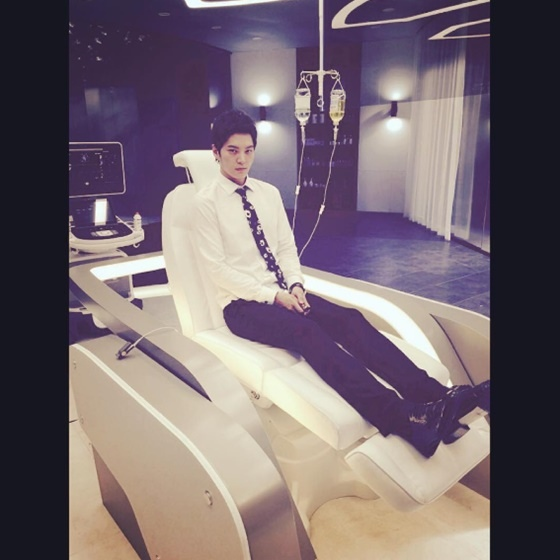 《龍八夷》周元體驗高級病床 缺乏休息惹粉絲心疼