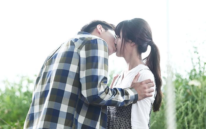 《華麗的誘惑》昨日開播 南柱赫金賽綸吻戲青澀溫馨 _3