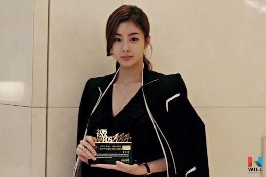 姜素拉受廣告商青睞 獲優秀模特兒獎