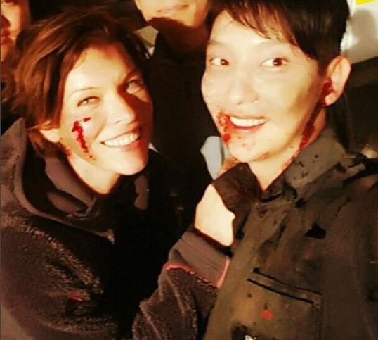 李準基曬《惡靈》片場照 笑容燦爛獲粉絲關注