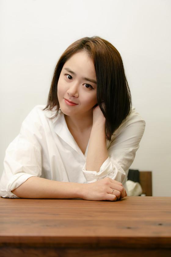 「國民妹妹」文瑾瑩受訪 稱欲成為「國民女演員」