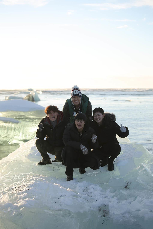 《花樣青春in冰島》轉戰冰河湖 四傻蹲坐冰川抱團取暖 _2