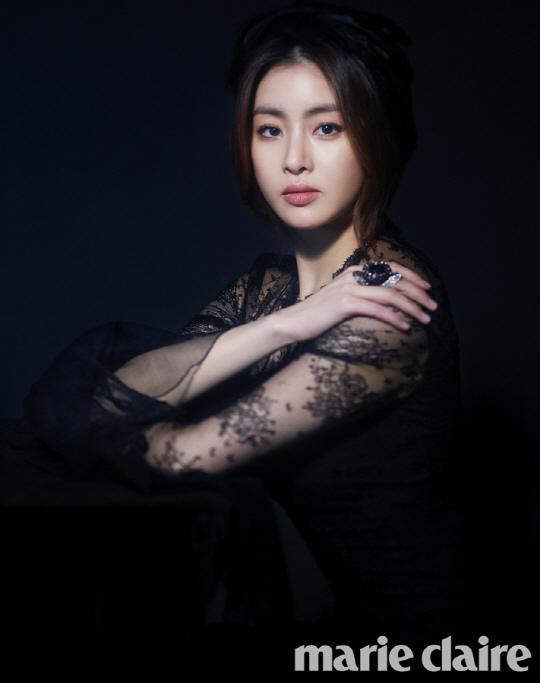 姜素拉寫真公開 黑色女神優雅動人