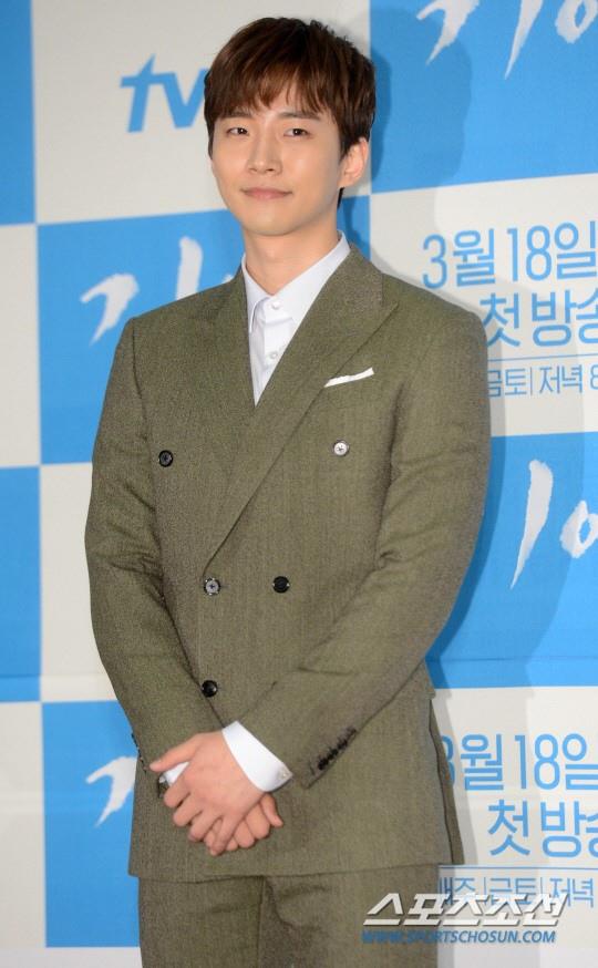 2PM俊昊談《記憶》:首拍電視劇學到很多