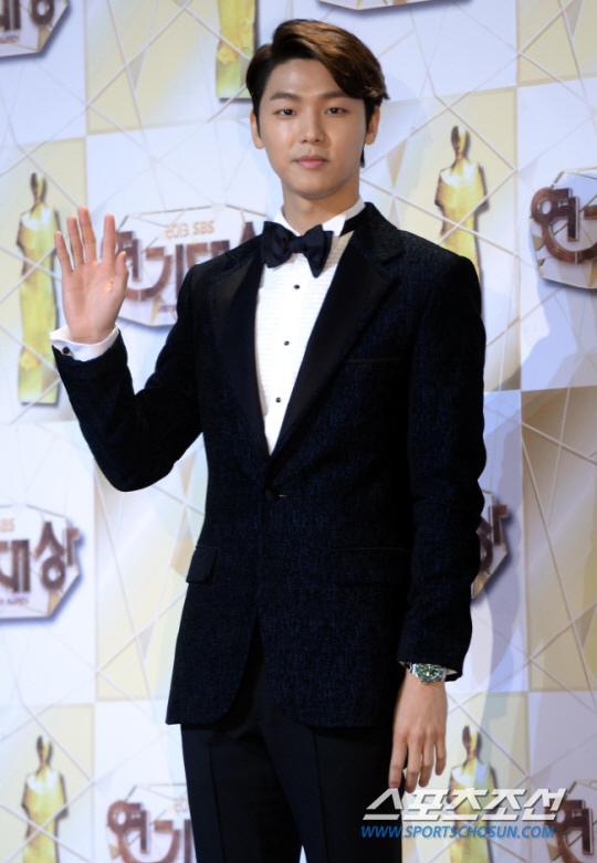 CNBLUE姜敏赫有望出演《戲子》 飾演音樂天才