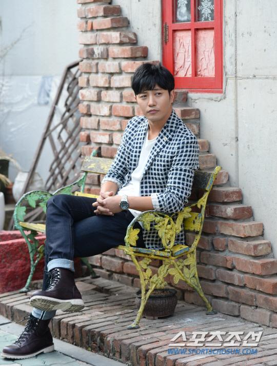 晉久專訪圖大公開 新晉男神魅力非凡_6.jpg