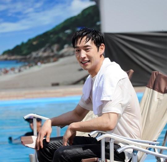 《RM》曝李帝勳節目照 全身濕透引人好奇