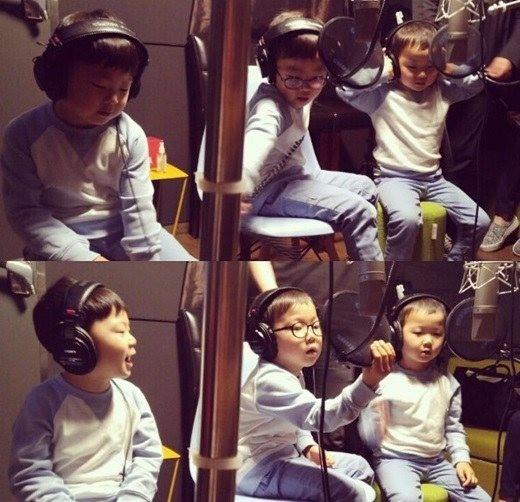 韓國今日兒童節 三胞胎錄音室裡忙不停