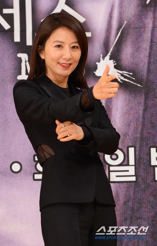 金喜愛有望出演SBS《倒數第二次戀愛》 YG:正在商議