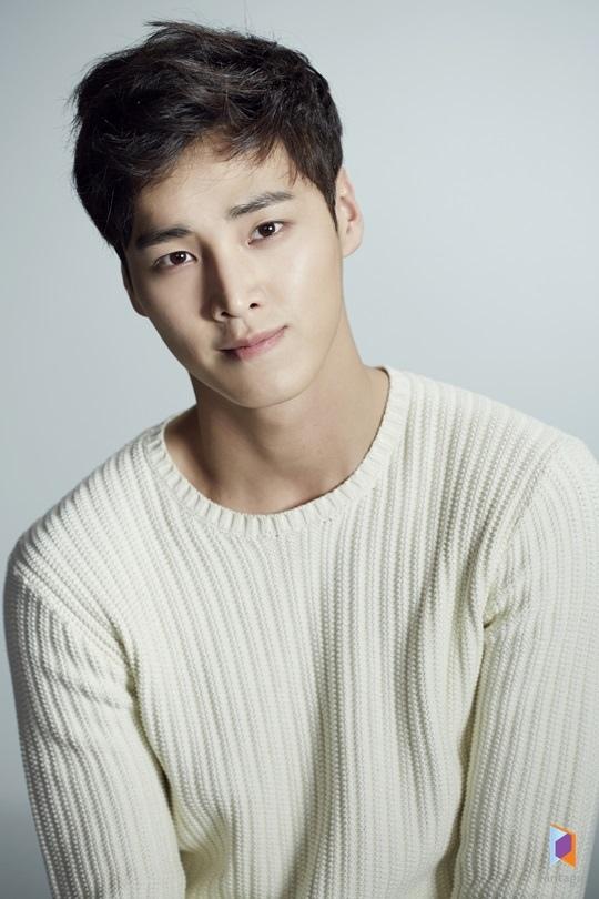 李泰煥確定將出演「W」 將扮演守護李鐘碩的警衛員
