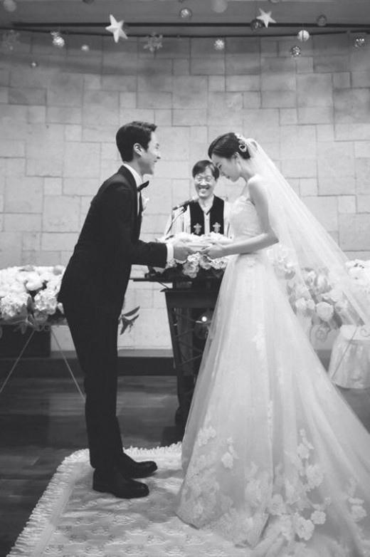 「垃圾哥」鄭宇成準爸爸 妻子懷孕三個月