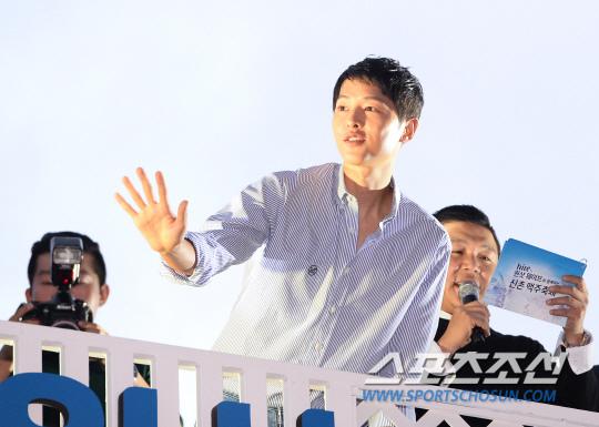 宋仲基_2016「Hite One-Shot Wave Festival」啤酒節_14