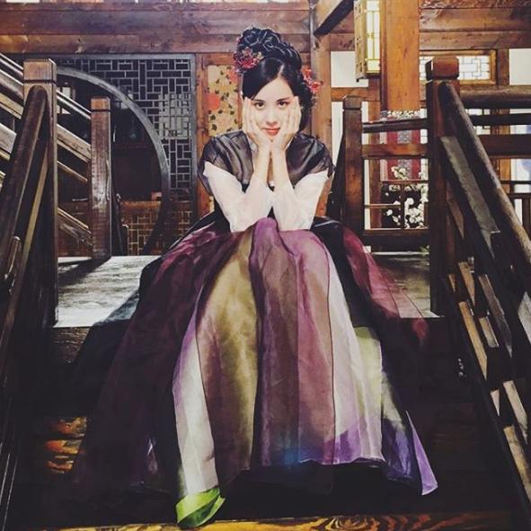 徐玄SNSD發《步步驚心》片場照 完美變身百濟公主