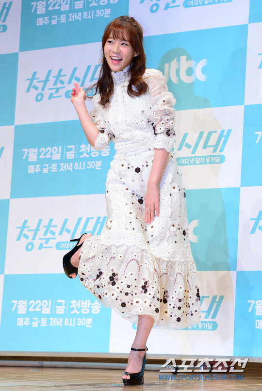 《青春時代》製作發表會 眾主演亮相甜美吸睛_韓昇延_4