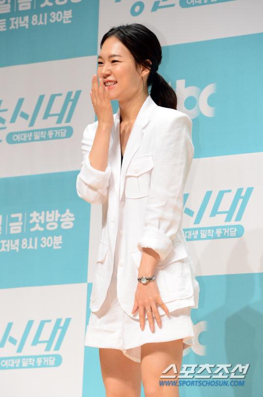 《青春時代》製作發表會 眾主演亮相甜美吸睛_韓藝里_3