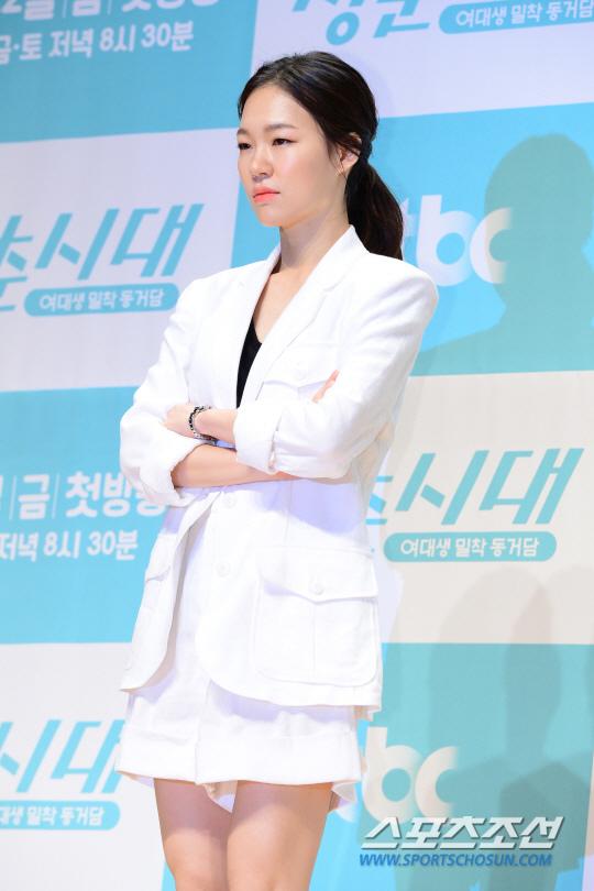《青春時代》製作發表會 眾主演亮相甜美吸睛_韓藝里_2