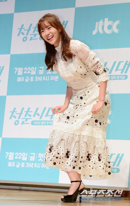 《青春時代》製作發表會 眾主演亮相甜美吸睛_韓昇延_5