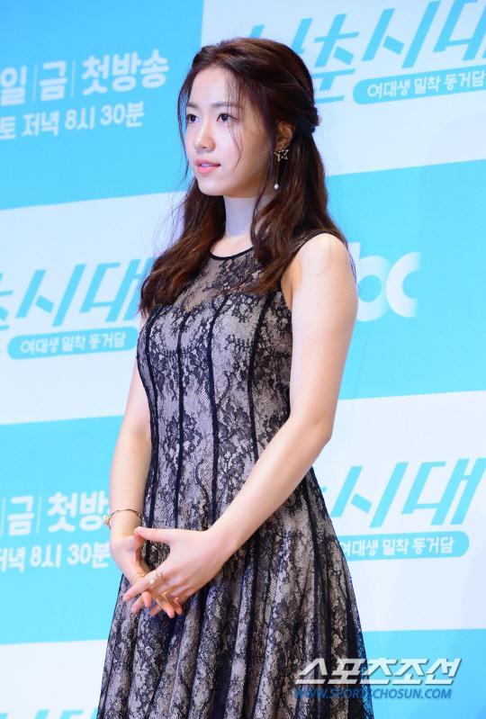 《青春時代》製作發表會 眾主演亮相甜美吸睛_柳和榮_2