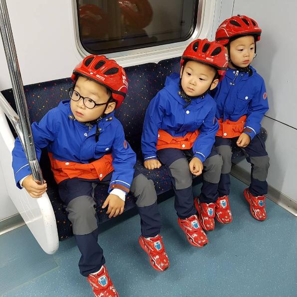 宋一國SNS發布照片 三胞胎久違露面