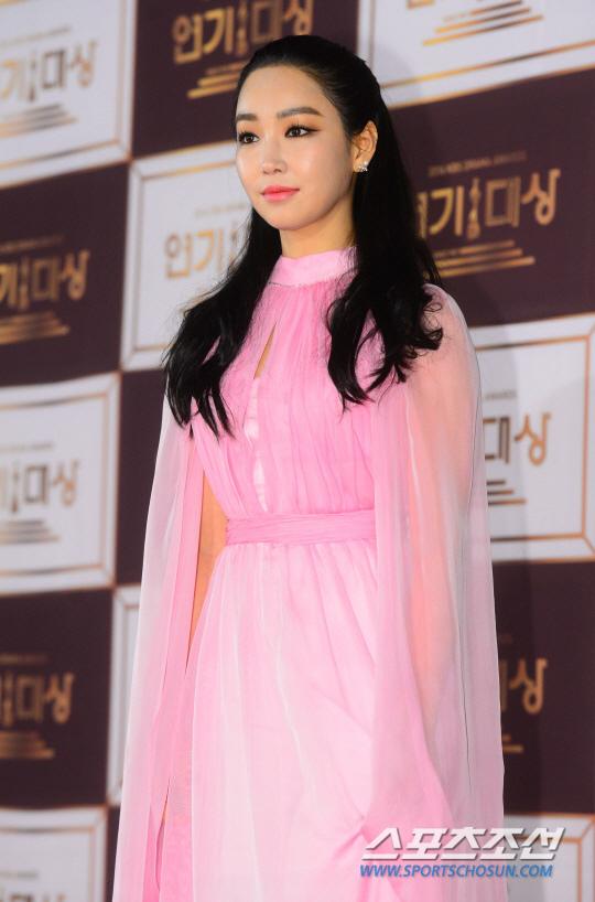 李宥利有望出演KBS新週末劇 或與李準合作
