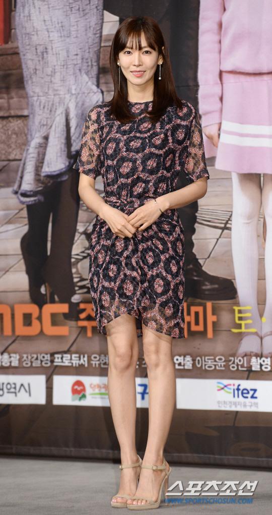 金素妍接拍新劇《爸爸很奇怪》 與李準共同主演