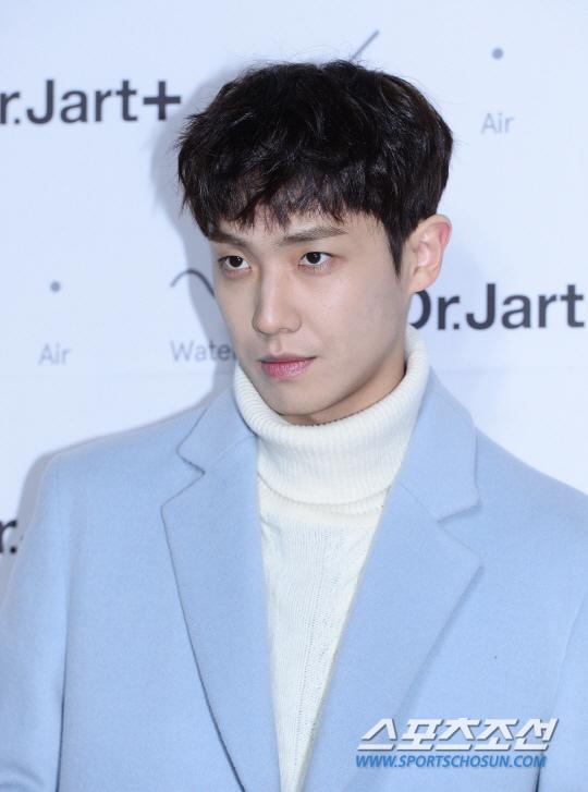 李準將出演KBS新週末劇 任《爸爸很奇怪》男主角