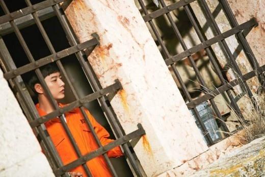 《Man to Man》朴海鎮新劇照發布 在匈牙利被關進監獄_2