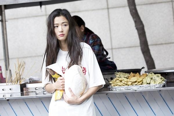 《藍海傳說》發布全智賢預告照 美人魚進軍首爾