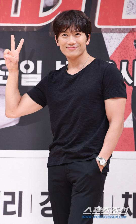 池晟有望出演SBS新劇《被告人》 積極商討中