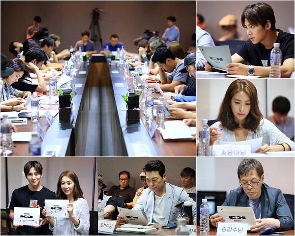 新劇《THE K2》台詞排練現場公開 池昌旭宋玧妸等出席
