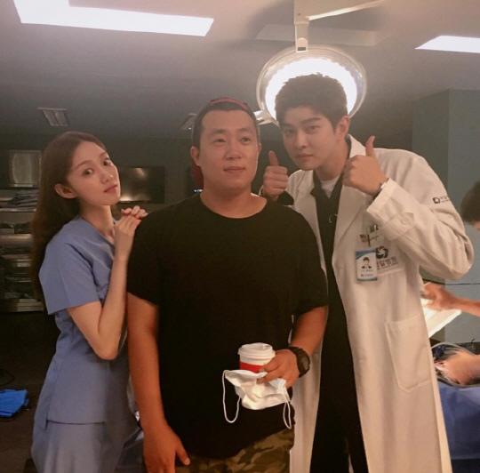 《Doctors》導演受訪 公開金玟錫剃髮幕後故事_2