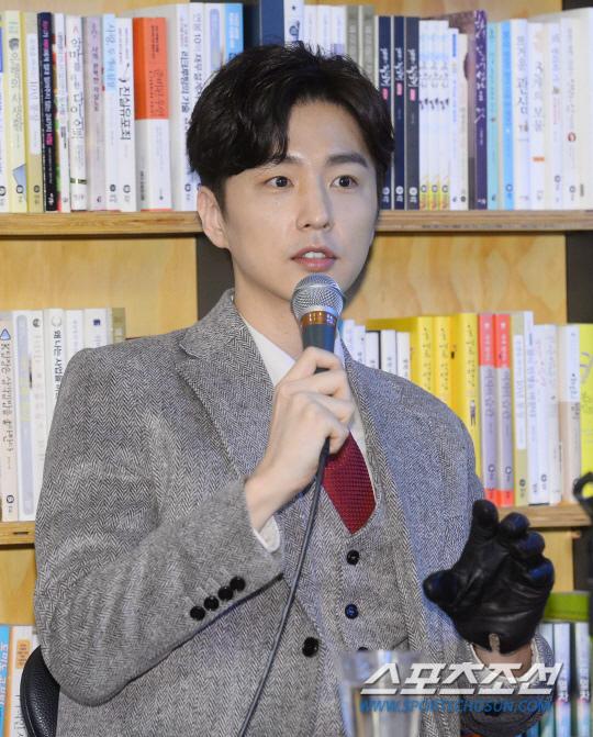 申東旭健康狀況好轉 時隔7年出演新劇《守望者》