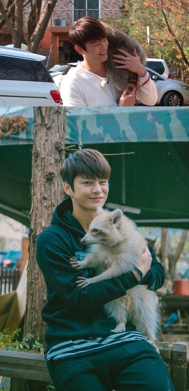 《瑪麗與我》節目照公開 徐仁國與浣熊親密無間