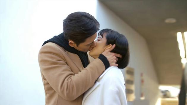 《MAN X MAN》新劇照 朴海鎮吻戲引發收視熱潮_1