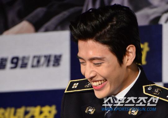 《青年警察》發表會 姜河那笑談短髮造型
