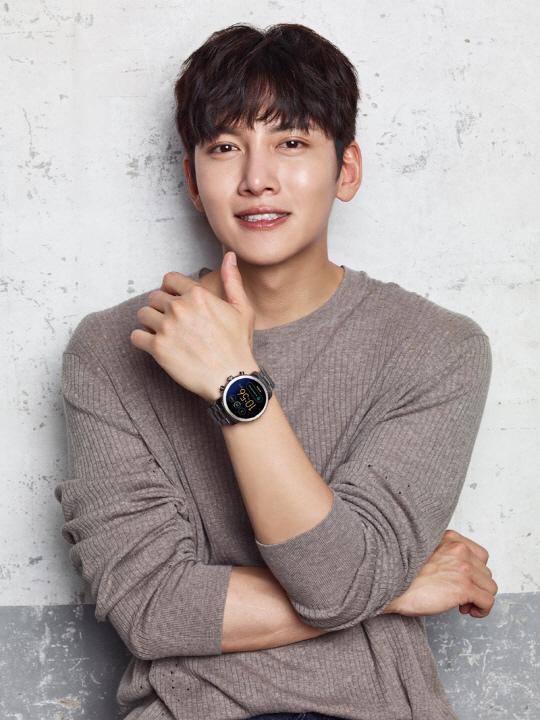 池昌旭人氣形象獲認可 任手錶品牌亞洲6國代言人