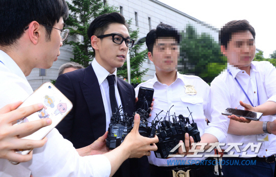T.O.P出席審判 遭判刑10個月緩刑2年_16