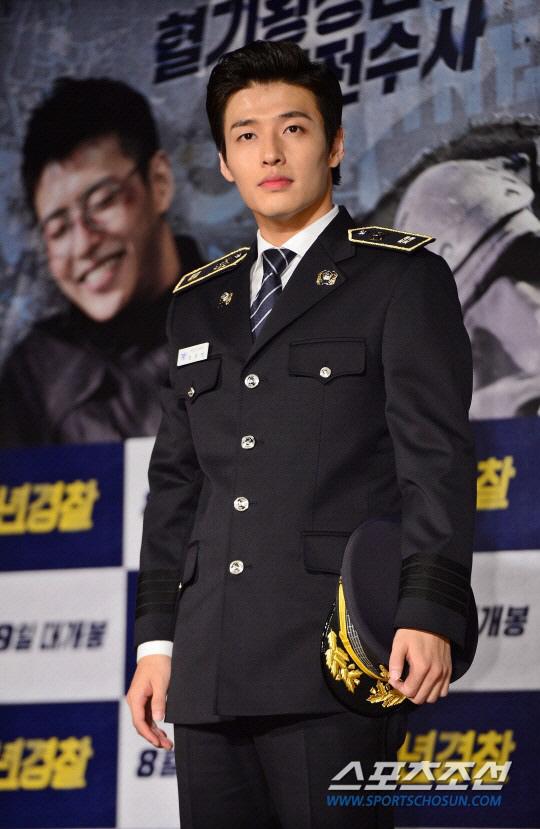 姜河那9月11日入伍服役 確定退出《壞傢伙們2》