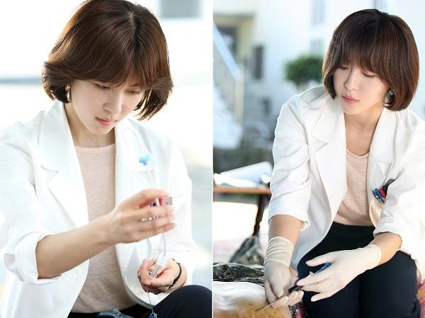 新劇《醫療船》發布劇照 河智苑首次飾演醫生