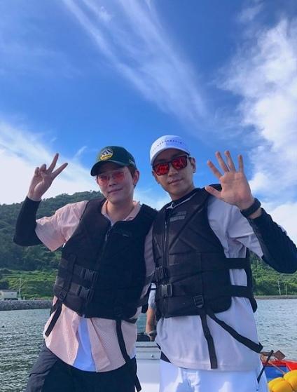 韓志旼SNS公開多張照 曬與《三時三餐》三成員幸福面貌_3