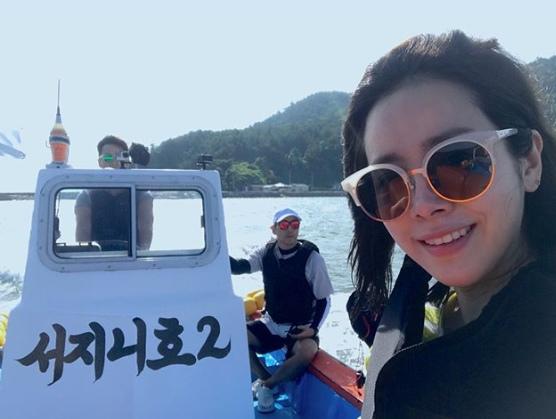 韓志旼SNS公開多張照 曬與《三時三餐》三成員幸福面貌