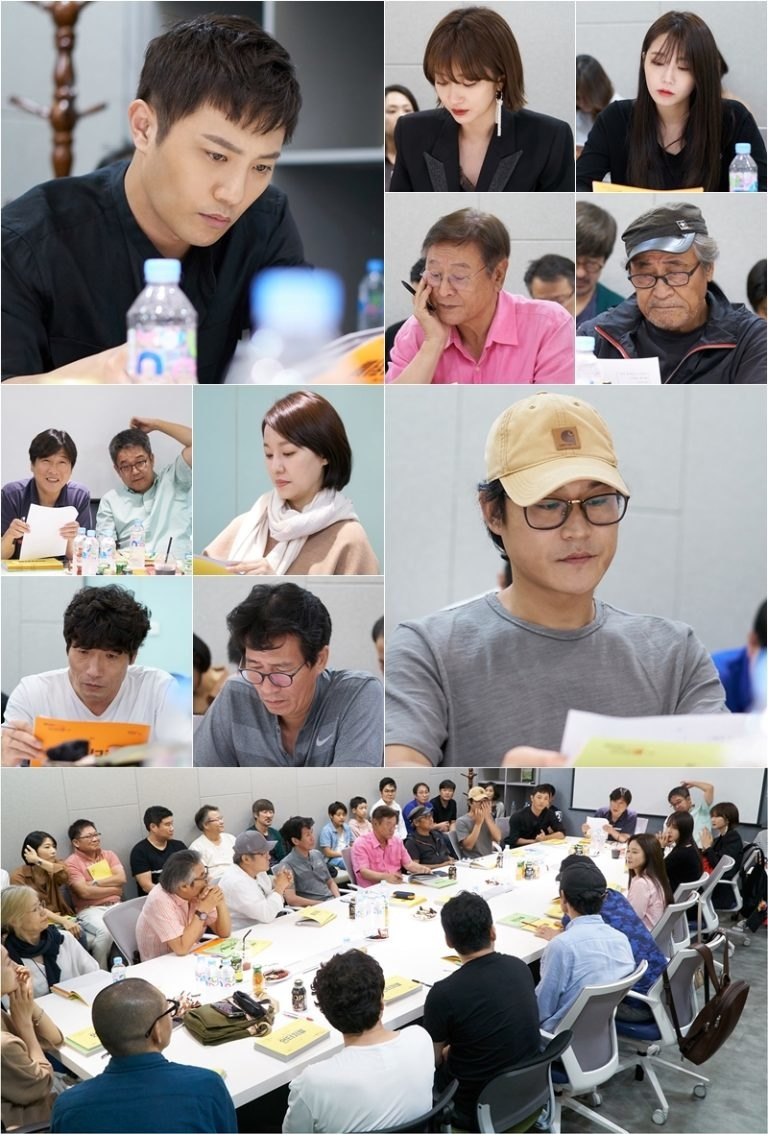 晉久、高俊熙、鄭恩地主演JTBC新劇《Untouchable》劇本排練現場