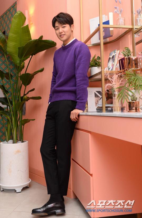 姜敏赫受訪 稱不願和同公司藝人交往
