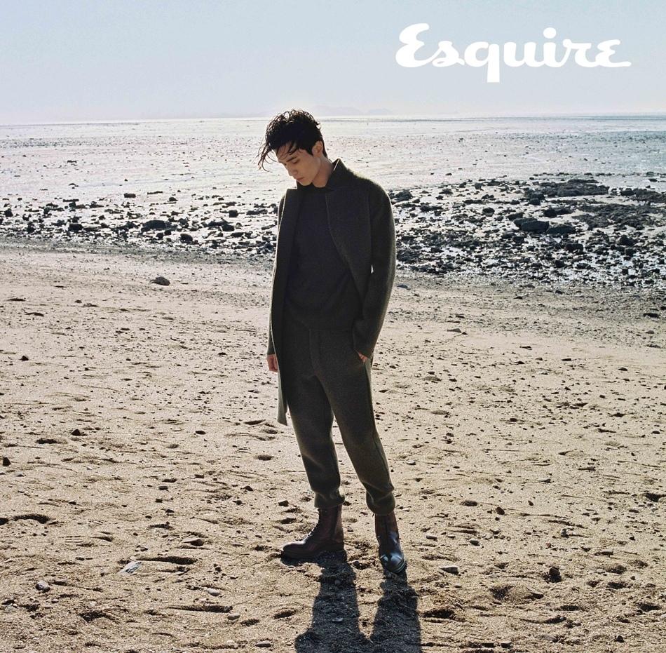 李棟旭_Esquire_201712_6.jpg